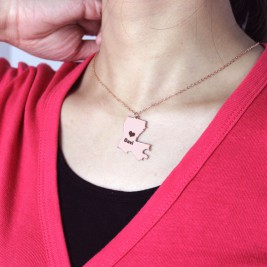 Custom Louisiana State Shaped Necklaces With Heart  Name Rose Gold