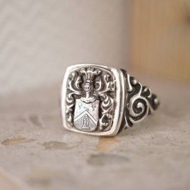 Personalised Coat Of Arms Signet Ring