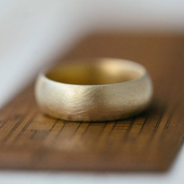Wide Gents Soft Pebble Wedding Ring 18ct Gold